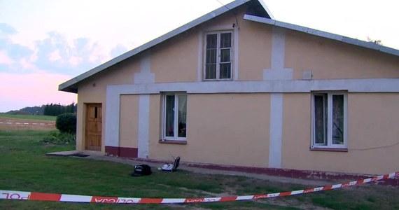 Na trzy miesiące trafi do aresztu 38-latka, której w sobotę postawiono zarzuty m.in. zabójstwa 28-letniej kobiety i usiłowania zabójstwa jej 12-letniego siostrzeńca. Dzień wcześniej zaatakowała nożem obie te osoby po wejściu do domu w miejscowości Łanięta koło Kutna w Łódzkiem.