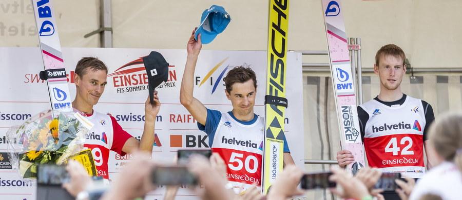 Kamil Stoch i Piotr Żyła wygrali ex aequo konkurs Letniego Grand Prix w skokach narciarskich w szwajcarskim Einsiedeln. Polacy zdominowali zawody. Czwarte miejsce zajął Jakub Wolny, a piąte Dawid Kubacki.