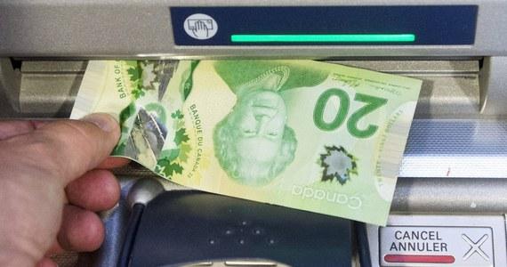 Konserwatywny rząd kanadyjskiej prowincji Ontario wstrzymuje pilotażowy program dochodu gwarantowanego. Program rozpoczęły w ubiegłym roku poprzednie, liberalne władze prowincji.