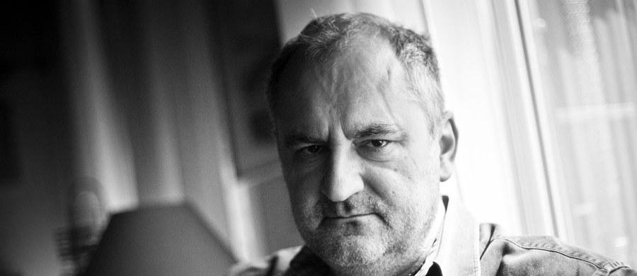 """Nie żyje Piotr Szulkin, twórca filmów takich jak """"Wojna światów - następne stulecie"""" i """"O-bi, o-ba. Koniec cywilizacji"""". Reżyser miał 68 lat."""