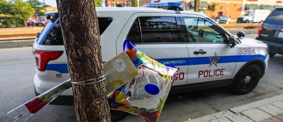 Pięć osób zginęło, a 44 zostały ranne w niedzielnych strzelaninach w Chicago - podała lokalna policja. Największe miasto w stanie Illinois zmaga się z falą przemocy rywalizujących ze sobą gangów.