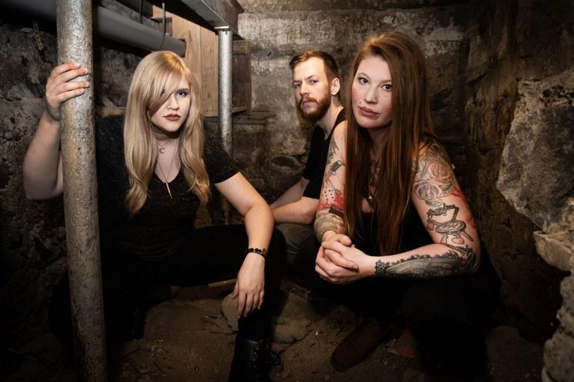 Sludge / doommetalowe trio The White Swan odlicza już dni do premiery nowego materiału.