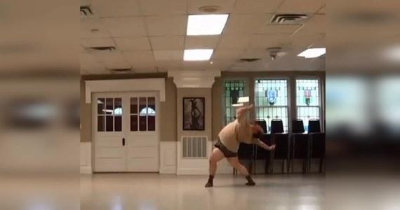 Mieszkaniec Pittsburgha przyciąga tysiące obserwatorów na swoją stronę na Instagramie, gdzie dzieli się swoimi imponującymi choreografiami.