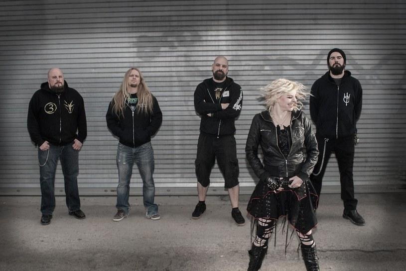 Po ponad 10-letnim okresie oczekiwań, nowym albumem przypomni o sobie kanadyjska grupa Into Eternity.