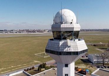Paraliż na lotnisku Chopina, samoloty krążące w powietrzu. Winny: dron