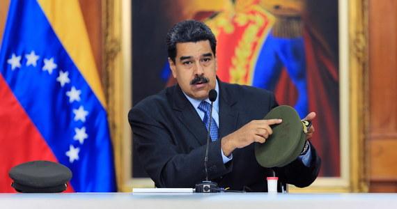 Prezydent Wenezueli Nicolas Maduro we wtorek wieczorem oskarżył dwóch opozycyjnych deputowanych o udział w niedawnym incydencie z udziałem dronów podczas jego przemówienia. Obóz rządzący mówi o nieudanym zamachu na życie szefa państwa.