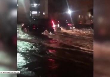 Ulice jak rzeki, tysiące ludzi bez prądu. Wielka ulewa w Toronto
