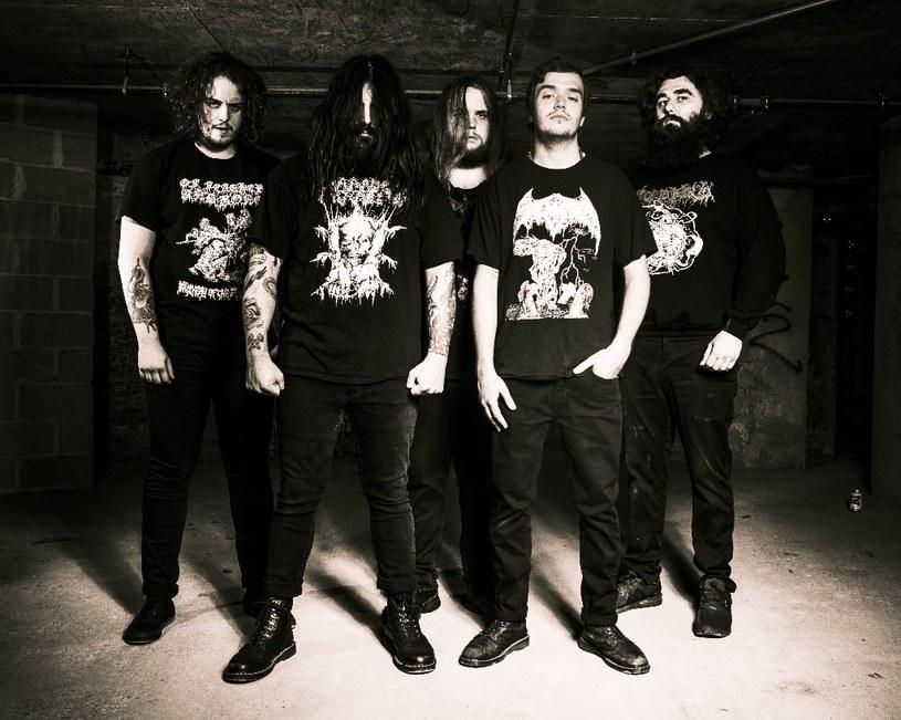 Amerykańska grupa Outer Heaven zadebiutuje w październiku w barwach Relapse Records.