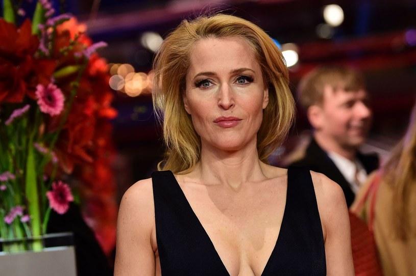 """Ma na swoim koncie wiele ról filmowych, serialowych i teatralnych, ale Gillian Anderson zapewne już pogodziła się z faktem, że do historii przejdzie jako agentka Dana Scully z serialu """"Z archiwum X""""."""