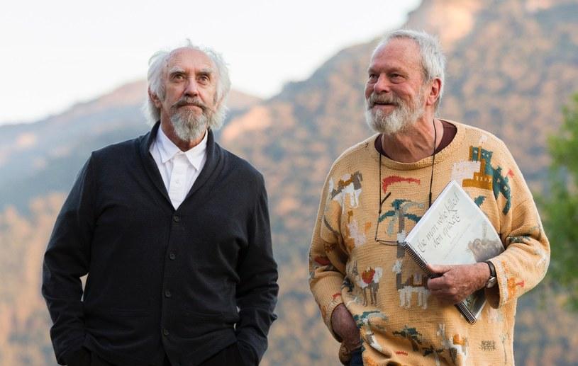 """""""Człowiek, który zabił Don Kichota"""" to zdecydowanie najbardziej pechowy film w dorobku Terry'ego Gilliama, realizowany z przerwami ponad 25 lat. Historia jego powstawania obrosła już legendą, a lista aktorów, która przewinęła się przez ten czas przez plan, jest imponująca."""