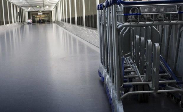 Zabawka erotyczna znaleziona w bagażu jednego z podróżnych została uznana za granat ręczny, co spowodowało we wtorek częściowe zamknięcie portu lotniczego Berlin-Schönefeld - podaje CNN. Mnóstwo lotów było opóźnionych.