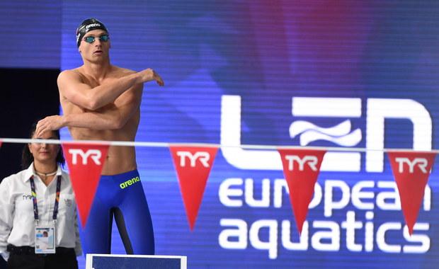 Radosław Kawęcki, czasem 1.56,07, zdobył srebrny medal pływackich mistrzostw Europy w Glasgow. Zwyciężył Rosjanin Jewgienij Ryłow - 1.53,36, a trzeci był Włoch Matteo Restivo - 1.56,29.