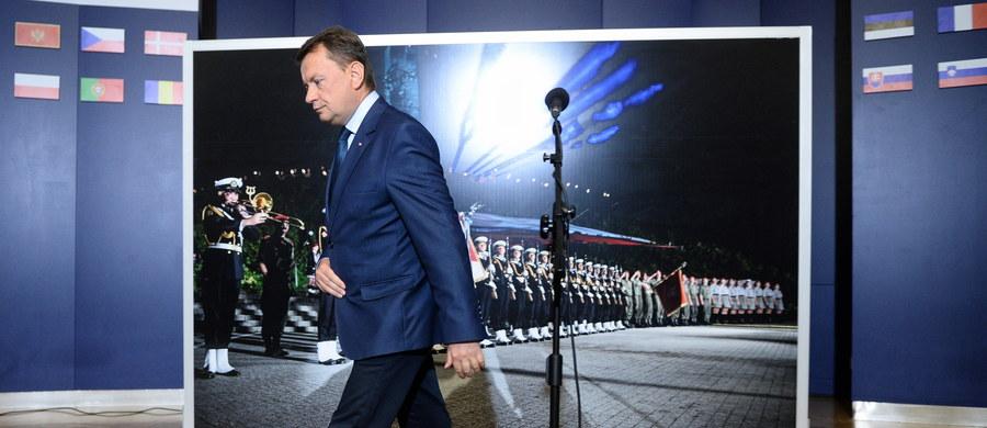 Ostry konflikt miedzy ministrem obrony narodowej Mariuszem Błaszczakiem a prezydentem Gdańska Pawłem Adamowiczem. Chodzi o udział żołnierzy w uroczystościach rocznicy wybuchu II wojny światowej na Westerplatte.