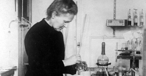 """Maria Skłodowska-Curie, fizyczka, chemiczka i dwukrotna laureatka Nagrody Nobla, została wybrana najbardziej wpływową kobietą w historii w plebiscycie brytyjskiego magazynu BBC History. """"Zmieniła świat nie raz, a dwa razy"""" - tłumaczono w uzasadnieniu."""