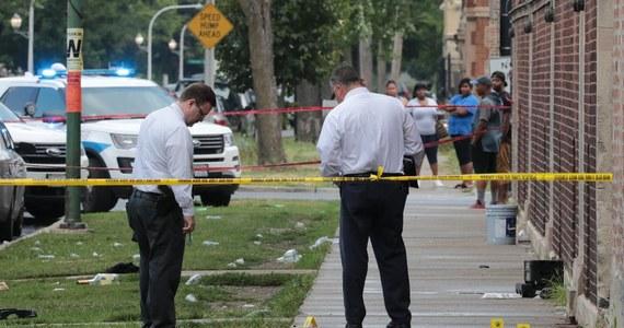 Władze Chicago po minionym krwawym weekendzie rozpoczynają walkę z przestępczością. W ubiegłą sobotę i niedzielę zastrzelonych zostało 12 osób, a ponad 70 zostało rannych. Najmłodsza ofiara miała 11 lat.