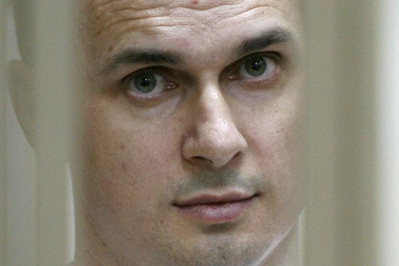"""Specjalny przedstawiciel USA ds. Ukrainy Kurt Volker napisał w piątek na Twitterze, że Rosja powinna uwolnić ukraińskiego filmowca Ołeha Sencowa, który od maja w rosyjskim więzieniu prowadzi protest głodowy, """"nim będzie odpowiedzialna za kolejną śmierć""""."""