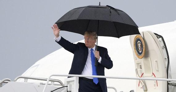 """Prezydent USA Donald Trump potępił na Twitterze """"wszelkiego rodzaju rasizm i akty przemocy"""" i wezwał do jedności narodowej. W niedzielę przypada pierwsza rocznica krwawych starć w Charlottesville w stanie Wirginia na wschodzie USA."""