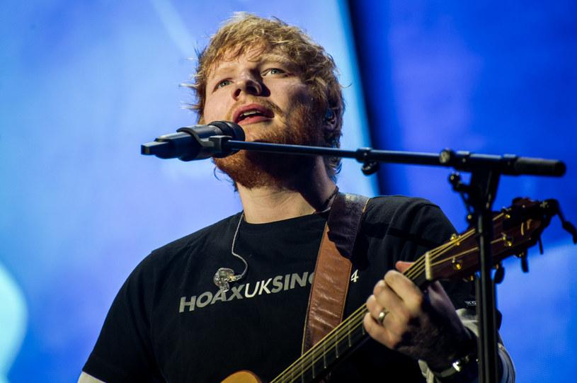 Najlepsi i najgłośniejsi - tak polską publiczność podsumował Ed Sheeran podczas jego pierwszego z dwóch koncertów na wyprzedanym PGE Narodowym. Brytyjczyk nie tylko prawił komplementy, ale zagrał też koncert, którego tysiące fanów pod sceną długo nie zapomną.