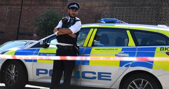 Dziesięć osób zostało rannych w strzelaninie, do której doszło w niedzielę nad ranem w dzielnicy Moss Side w Manchesterze w Anglii - poinformowała policja.