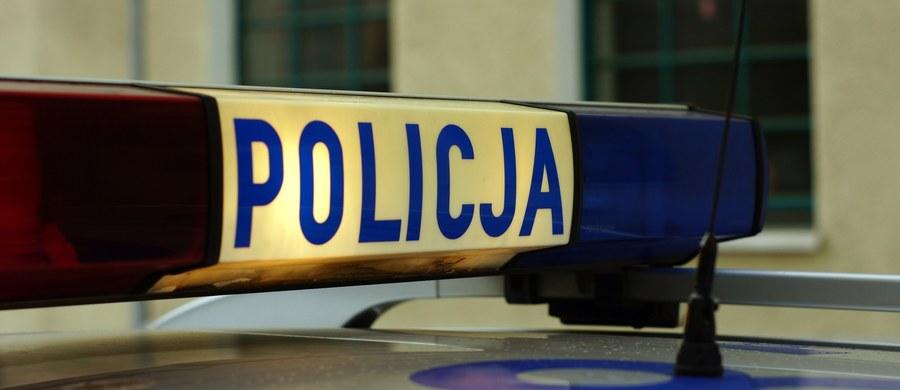 Pięć osób zostało poszkodowanych w zderzeniu samochodu ciężarowego z busem. Wypadek wydarzył się na dawnej drodze wylotowej z Żywca w kierunku Bielska-Białej.