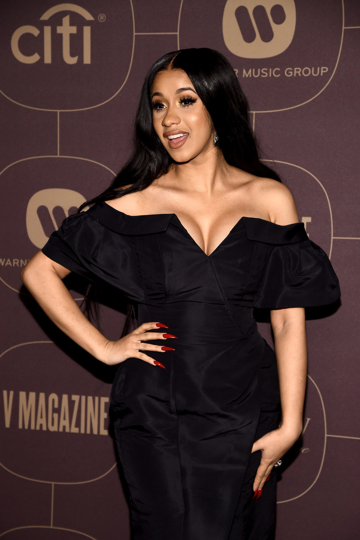 Cardi B poinformowała swoich fanów, że jej córka, Kulture, zaraz po urodzeniu wystawiła swój środkowy paluszek.