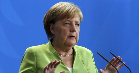 Niemiecka kanclerz i zarazem przewodnicząca Unii Chrześcijańsko-Demokratycznej (CDU) Angela Merkel wypowiedziała się przeciwko politycznej współpracy swego ugrupowania z Lewicą (Die Linke).