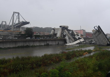 W Genui zawalił się most na autostradzie. Zginęło 35 osób
