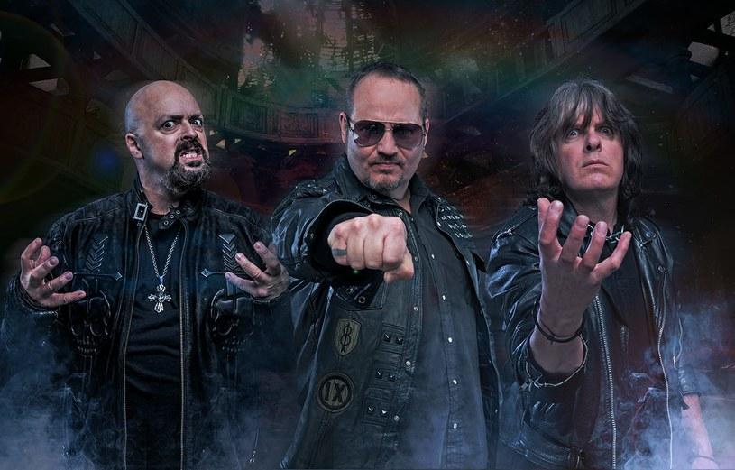 The Three Tremors - to nazwa nowego heavymetalowego projektu z udziałem trzech amerykańskich wokalistów.