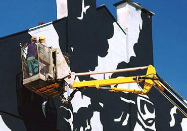 Niezwykły mural w Krakowie! Upamiętnia samolot zestrzelony nad miastem