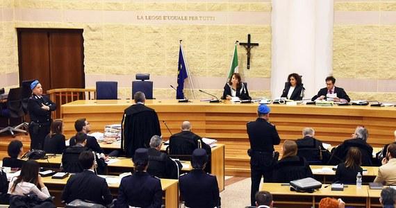19 października przed sądem apelacyjnym w Bolonii rozpocznie się proces sprawcy brutalnej napaści na Polaków w Rimini przed rokiem, Kongijczyka Guerlina Butungu - dowiaduje się PAP w źródłach sądowych. W pierwszej instancji został skazany na 16 lat więzienia. Apelację od wyroku, który zapadł przed sądem w Rimini w listopadzie zeszłego roku, złożyła obrona Butungu, domagając się jego uniewinnienia.