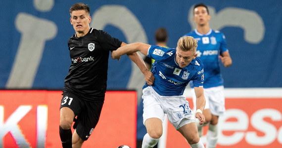 Piłkarze Lecha Poznań przegrali na własnym stadionie z KRC Genk 1:2 (0:2) w rewanżowym spotkaniu 3. rundy eliminacji Ligi Europejskiej i odpadli z rozgrywek. Pierwszy mecz Belgowie wygrali 2:0 i w ostatniej fazie eliminacji zmierzą się z duńskim IF Broendby. Z kwalifikacji Ligi Europejskiej po wyjazdowej porażce 1:3 z KAA Gent odpadli także piłkarze Jagiellonii Białystok.