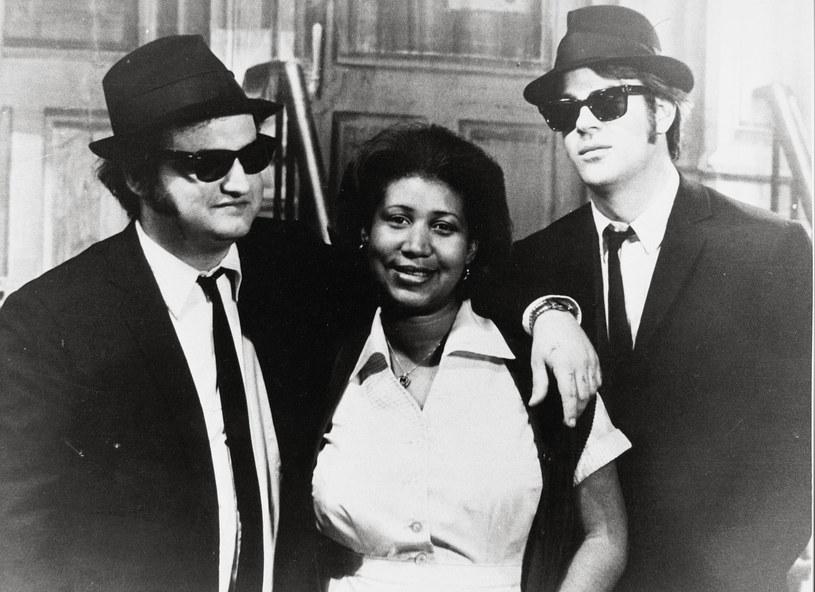 """Wraz z Arethą Franklin odeszła ostatnia wielka gwiazda muzyczna kultowego filmu """"The Blues Brothers"""" z 1980 roku. Ten musical opowiada fikcyjną historię amerykańskiego zespołu bluesowego i soulowego założonego przez komików Dana Aykroyda i Johna Belushi."""