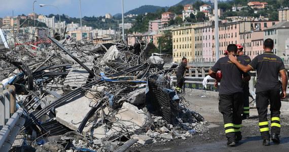 Ratownicy przeczesujący rumowisko w Genui odnaleźli ciała trzyosobowej rodziny: matki, ojca i 9-letniej dziewczynki. Tym samym liczba ofiar katastrofy wzrosła do 41. Wciąż poszukiwana jest jedna osoba.