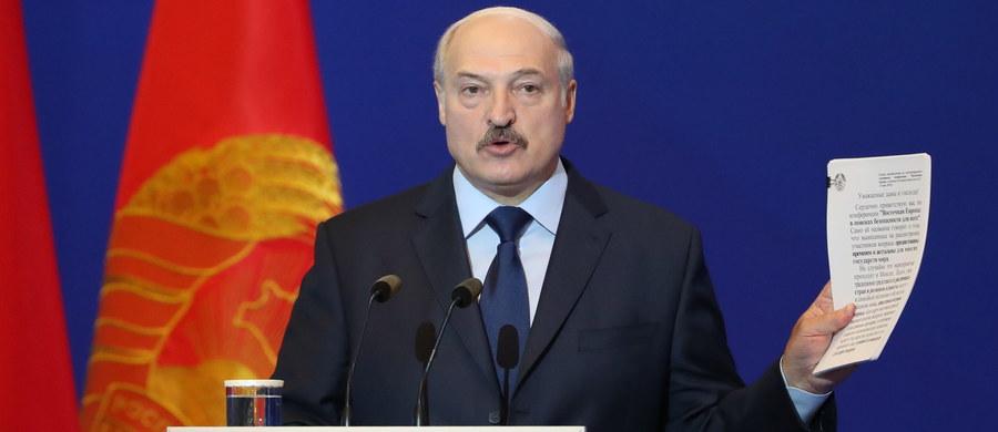 Prezydent Białorusi Alaksandr Łukaszenka zdymisjonował w sobotę premiera Andrieja Kobiakowa. Nowym szefem rządu mianował Siarhieja Rumasa. Prezydent zarządził też kilka zmian na stanowiskach ministerialnych.