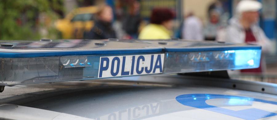 Droga krajowa nr 42 w Wąchocku (Świętokrzyskie) została odblokowana. W sobotę zderzyły się tam dwa auta osobowe i ciężarówka, cztery osoby zostały ranne. Do wypadku doszło około godz. 12.30.