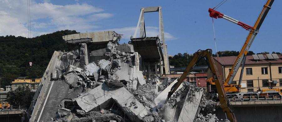 W sobotę po południu strażacy wydobyli ciało ostatniej osoby zaginionej po katastrofie wiaduktu w Genui. Tym samym bilans ofiar tragedii wzrósł do 42. Rano odnaleziono ciała trzyosobowej rodziny: rodziców z 9-letnią córką.