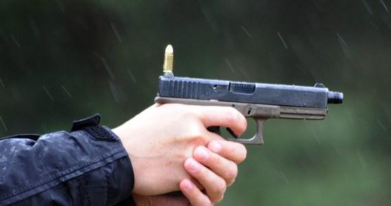 Wypadek na strzelnicy sportowej w Przyszowicach niedaleko Gliwic w Śląskiem. Ranny mężczyzna trafił do szpitala.