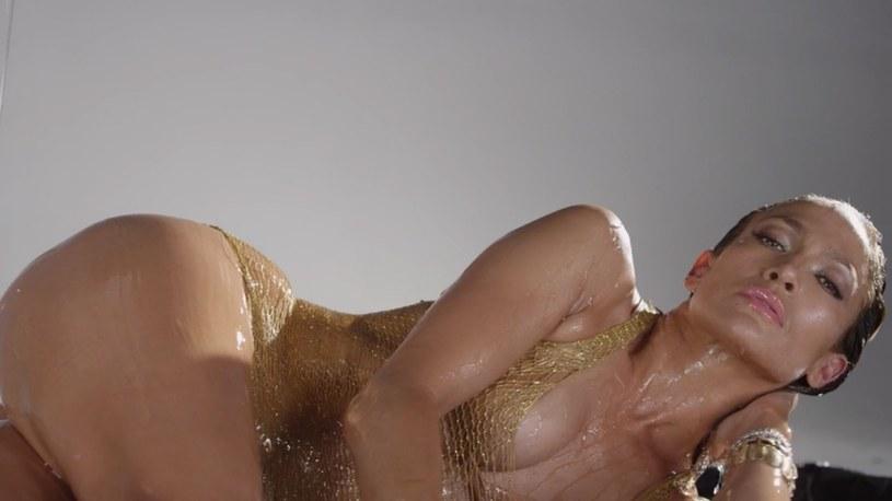 20 sierpnia w Nowym Jorku (21 sierpnia o 02:00 polskiego czasu) odbędzie się ceremonia wręczenia nagród MTV VMA. Specjalną statuetkę - Michael Jackson Video Vanguard Award – otrzyma Jennifer Lopez. To dobra okazja, by przypomnieć jej pięć najpopularniejszych teledysków na Youtube.
