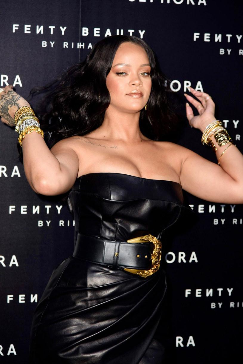 Reżyser Peter Berg zapowiedział, że film dokumentalny o życiu Rihanny będzie gotowy za dwa miesiące.