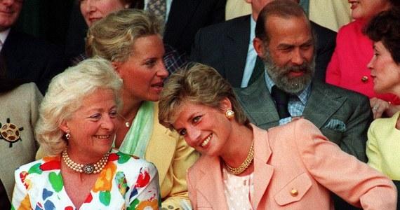 """31 sierpnia mija 21. rocznica śmierci Diany. Na jaw wychodzą kolejne szczegóły z życia tragicznie zmarłej księżnej. Brytyjskie media przypominają o trudnych relacjach łączących ją z matką. """"Mirror"""" opisuje szokującą, ostatnią rozmowę telefoniczną kobiet."""