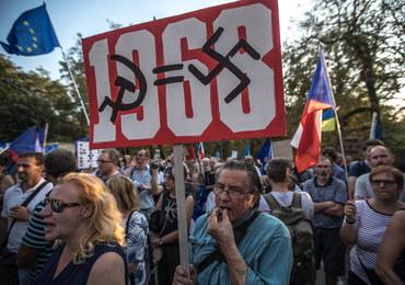 """Protest przed rosyjską ambasadą w Pradze. """"Apetyt na agresję jest stale widoczny"""""""