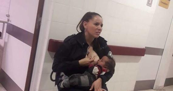 Usłyszała płacz niedożywionego niemowlęcia i postanowiła nakarmić je piersią. Internauci na całym świecie chwalą postawę argentyńskiej policjantki. Jej zdjęcie robi prawdziwą furorę w internecie.