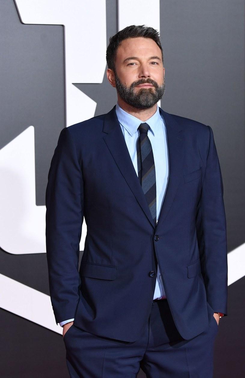 """Laureat dwóch Oscarów Ben Affleck ogłosił swój najnowszy projekt reżyserski. Będzie to adaptacja książki Katie Allie Marshall pod tytułem """"I am Still Alive"""". Film wyprodukuje wytwórnia Universal."""