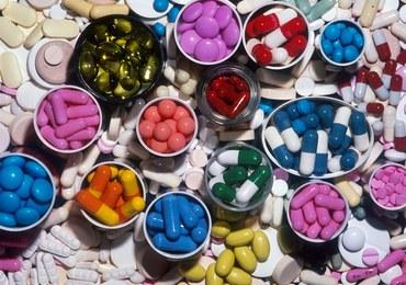 Apel brytyjskiego rządu do firm farmaceutycznych: Gromadźcie zapasy leków