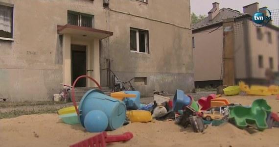 Tragedia w Wojkowicach w Śląskiem. Dwuletnie dziecko wypadło z okna na pierwszym piętrze. Niestety, nie przeżyło upadku.