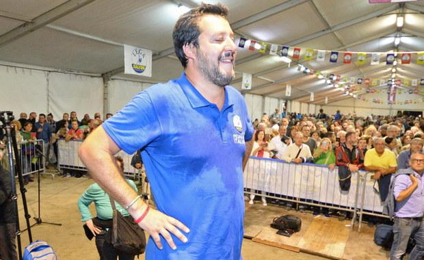 Szef MSW Włoch Matteo Salvini został objęty śledztwem przez prokuraturę na Sycylii w sprawie przetrzymywania osób, nielegalnego aresztowania i nadużycia władzy. Rozważane przez śledczych zarzuty dotyczą statku z migrantami stojącego w Katanii.