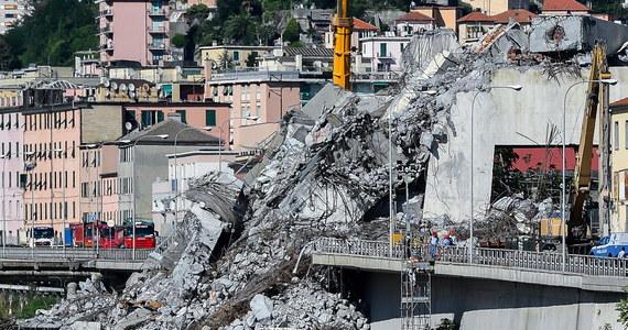 Mieszkańcy Genui oddali ponad 70 domów i mieszkań do dyspozycji tych, którzy stracili dach nad głową w rezultacie katastrofy mostu. Władze miasta na północy Włoch poinformowały, że niektóre z tych lokali znajdują się w Genewie, Grenoble i w Saint Tropez.