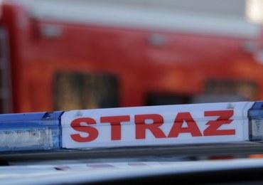 Częstochowa: Dwójkę dzieci z płonącego mieszkania wynieśli świadkowie. Ojciec były nietrzeźwy
