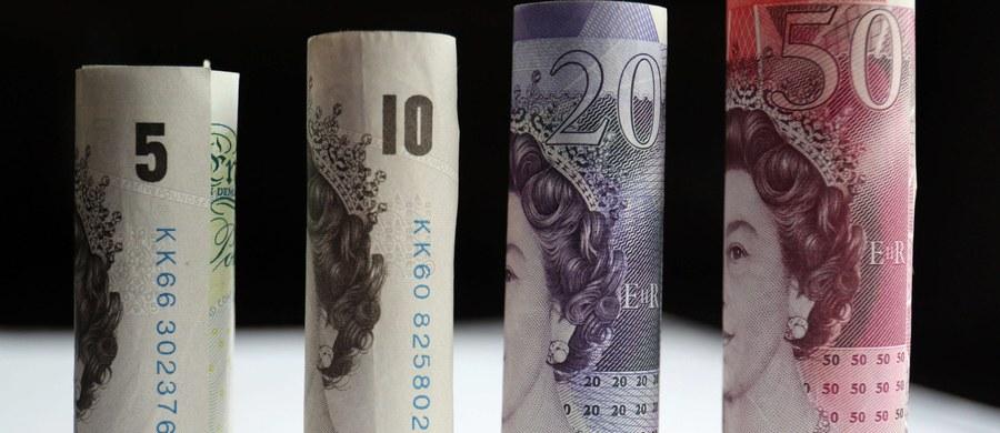 Jedna z największych brytyjskich firm pożyczkowych Wonga zawiesiła w środę przyjmowanie nowych wniosków o udzielenie pożyczki po tym, jak media spekulowały w ostatnich dniach o możliwym upadku spółki, zmagającej się z problemami finansowymi.