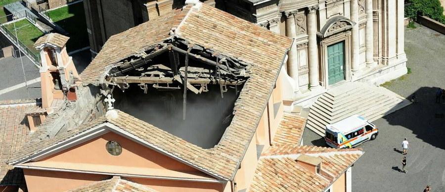 W Rzymie runął w czwartek dach kościoła Świętego Józefa Patrona Stolarzy przy Kapitolu. Nikomu nic się nie stało. Kościół z XVII wieku jest wyjątkową świątynią, bo pod jego posadzką znajduje się Więzienie Mamertyńskie, miejsce kultu świętych Piotra i Pawła.